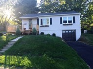 15 Youngs Pl Latham NY, 12110