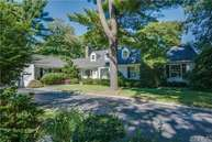 9 Saw Mill Ln Cold Spring Harbor NY, 11724
