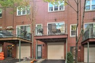 2929 North Honore Street D Chicago IL, 60657