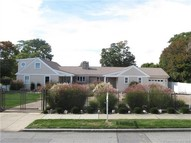 1085 Ocean Ave New London CT, 06320