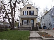 382 Berry Ave Akron OH, 44307