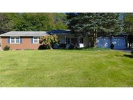 5 Connshire Dr Waterford CT, 06385