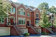 10 Candlewood Dr Old Tappan NJ, 07675