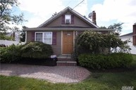 22 Mapleton Ave Farmingville NY, 11738
