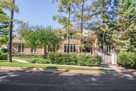 233 Carriage Hill Circle Libertyville IL, 60048