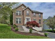 324 Indian Ridge Dr Coraopolis PA, 15108