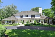 82 Baybrook Lane Oak Brook IL, 60523