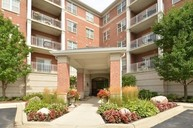 153 Pointe Drive 105 Northbrook IL, 60062