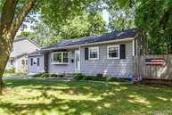 29 W Haven Dr East Northport NY, 11731