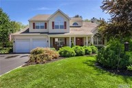 41 White Cliff Ln Nesconset NY, 11767