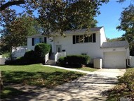 6 Pomper Ct East Northport NY, 11731