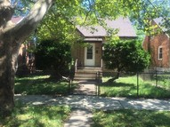 10043 South Bensley Avenue Chicago IL, 60617