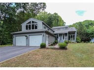 12 Charles Pl Burlington CT, 06013