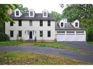 40 Gilbert Ln Burlington CT, 06013