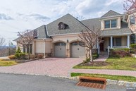 13 Windsor Ln Ramsey NJ, 07446