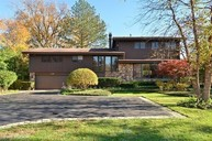 319 Seven Pines Circle Highland Park IL, 60035
