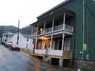 206 13th Ave Hinton WV, 25951