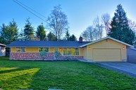 730 110th Pl Se Everett WA, 98208