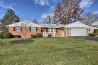 2315 Harvey John Lebanon PA, 17042