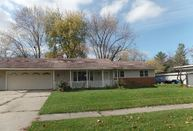 215 Cherokee Dr Lowell IN, 46356