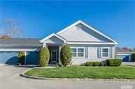 570 Mirror Pond Ct Moriches NY, 11955
