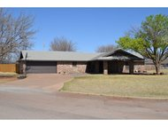 1901 Iowa Circle Sayre OK, 73662