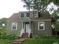 28 Roosevelt Ave East Northport NY, 11731