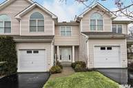 1102 Willow Pond Dr Riverhead NY, 11901
