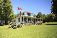 612 E Maple St Caneyville KY, 42721