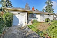 16033 8th Ave Sw Burien WA, 98166