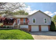 906 Nw Chestnut Circle Blue Springs MO, 64015