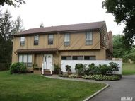407 Townline Rd Commack NY, 11725
