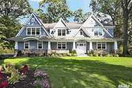 33 The Hemlocks Roslyn NY, 11576