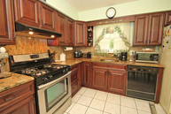 26 Sylvan St Lincoln Park NJ, 07035