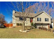 313 Se Williamsburg Drive Blue Springs MO, 64014