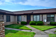 32736 Valley Dr Warren MI, 48093