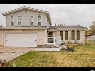 1733 E Crescent View Dr. S Sandy UT, 84092