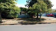 1039 5th St Springfield OR, 97477