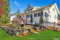 414 Potter Blvd Brightwaters NY, 11718
