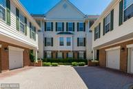 25230 Pond View Sq #204 Chantilly VA, 20152