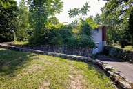 28 Lakeside Dr New Windsor NY, 12553