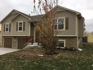 402 Golfview Dr Pleasant Hill MO, 64080