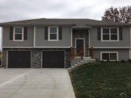 406 Golfview Dr Pleasant Hill MO, 64080
