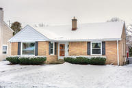 2561 N 93rd St Wauwatosa WI, 53226