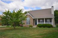 1044 Blue Jay Ct Adams TN, 37010