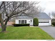 225 Pebbleview Dr Greece NY, 14612