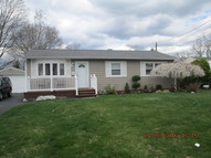1228 2nd Street West Babylon NY, 11704