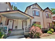 2025 Elm St 3b Forest Grove OR, 97116