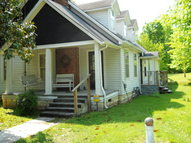 9877 Mcminnville Highway Quebeck TN, 38579