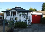 1206 Lincoln St Oregon City OR, 97045